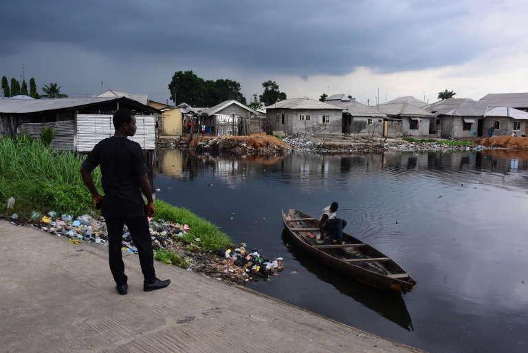 Une vue du front de mer de Port Harcourt, que la radio Chicoco et ses volontaires tentent de reconstruire.