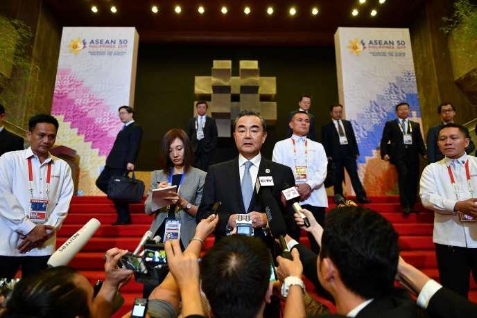 Le ministre des affaires étrangères chinois, Wang Yi, lors d'une conférence de presse en marge du sommet de l'Asean, lundi7août2017.