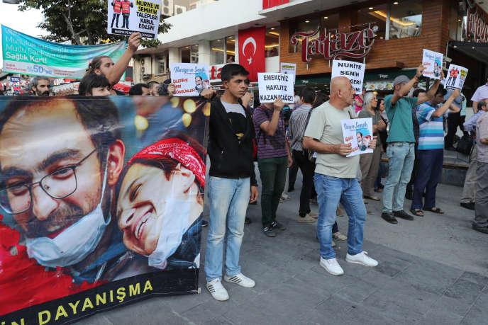 Manifestation de soutien à Semih Özakça et Nuriye Gülmen, à Ankara, le 6 juillet.