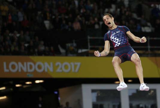 Renaud Lavillenie a franchi les 5,89 mètres.