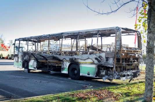 Le 23octobre 2015, la collision et l'incendie d'un poids lourd et d'un autocar avait causé la mort de quarante-trois personnes.