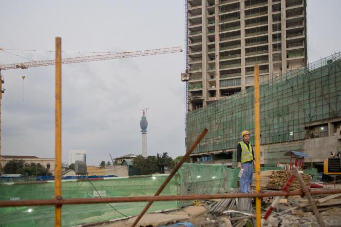 Un ouvrier chinois à Colombo, la capitale sri-lankaise, en mars 2017.