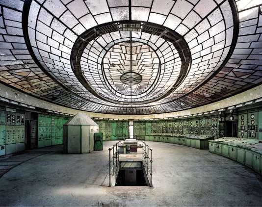 La salle de contrôle de la centrale électrique de Kelenföld et son magnifique vitrail de style Art déco.