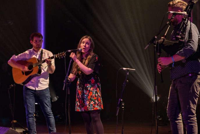 Mischa Macpherson en concert au Festival interceltique de Lorient, le 5 août.