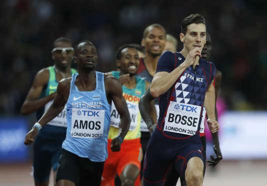 Pierre-Ambroisse Bosse est sorti du peloton environ 250 mètres avant la ligne d'arrivée, stratégie inhabituelle pour une distance comme le 800 m.