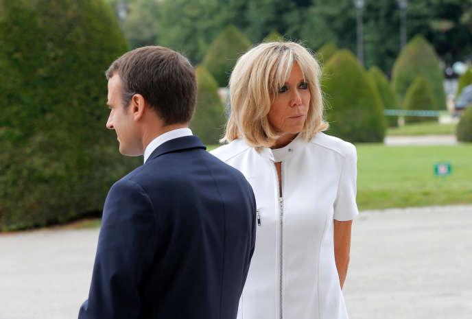 Brigitte Macron et le président Emmanuel Macron au musée des Invalides à Paris, le 13 juillet.