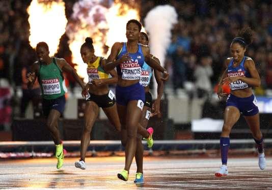 Enorme sensation sur le tour de piste. L'Américaine Phyllis Francis est championne du monde.