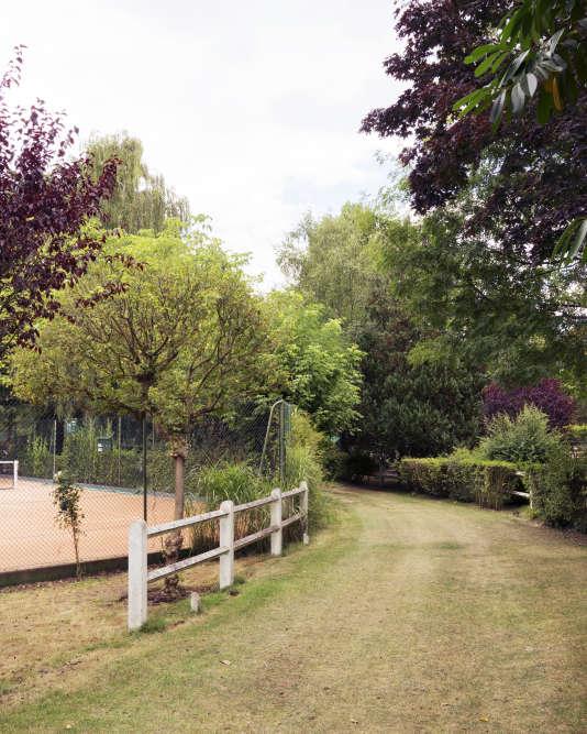 La piste d'athlétisme des Jeux de 1900, dans le bois de Boulogne, se trouve désormais dans l'enceinte d'un club de sport privé.