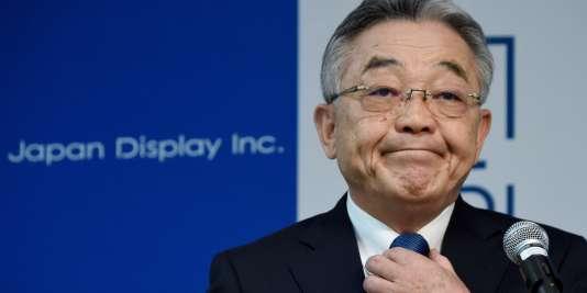 Nobuhiro Higashiiriki, PDG de Japan display, après l'annonce de 3740suppressions de postes dans l'entreprise.