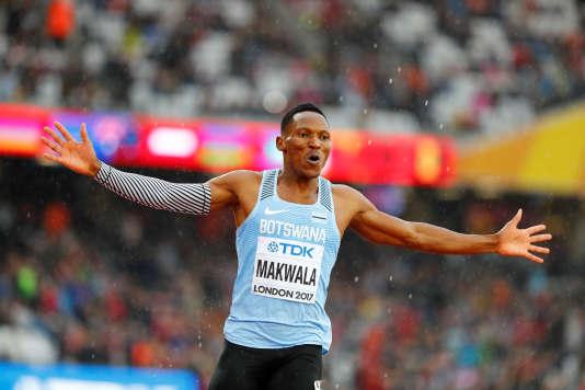 Isaac Makwala après son 200 m couru seul, aux Mondiaux d'athlétisme à Londres, le 9 août . LUCY NICHOLSON / REUTERS