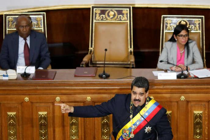 Le président Nicolas Maduro pendant une session de l'Assemblée constituante où il a demandé à rencontrer Donald Trump, à Caracas, le 10 août.