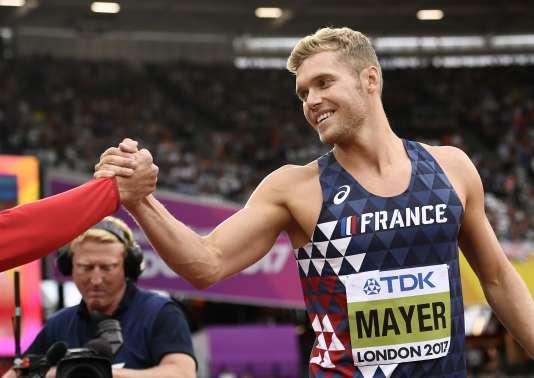 Le Français Kévin Mayer, après l'épreuve de saut en hauteur du décathlon, le 11 août 2017. REUTERS/Dylan Martinez