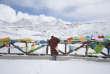 Un jeune tibétain, sur le mont Zheduo, à 4298 mètres d'altitude, sur la route qui relie Kangding à Tagong.