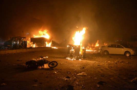 Une moto piégée a fait au moins 15 morts à Quetta, au Pakistan.