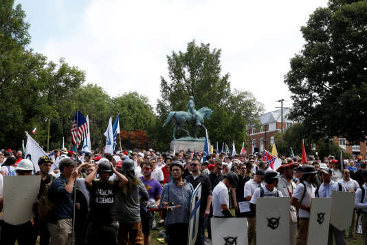 Les manifestants suprémacistes blancs, samedi12 août, à Charlottesville, en Virginie.
