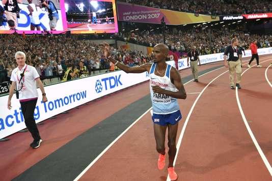 Mo Farah termine sa carrière sur piste avec une médaille d'argent du 10 000 m.