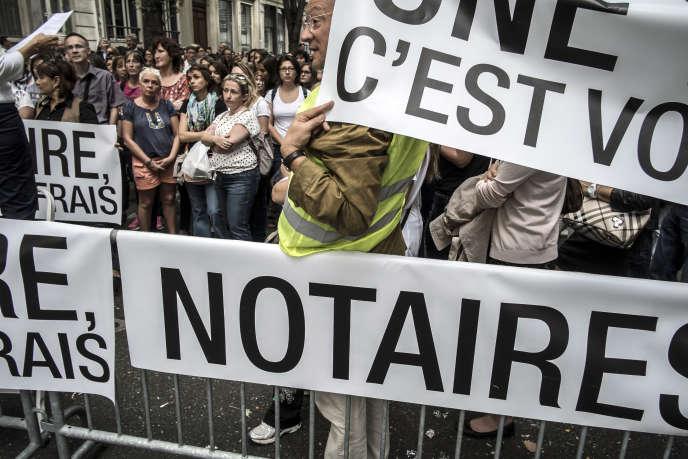Manifestation des notaires contre la réforme des professions réglementées, à Lyon, le 17 septembre 2014.