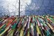 Des rubans appelant à la paix et à la réunification des deux Corées, près de la zone démilitarisée entre les deux pays, le 11 août.