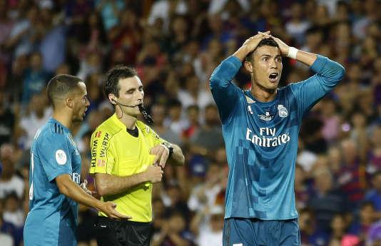 Cristiano Ronaldo a été exclu après avoir reçu deux cartons jaunes en quelques minutes.