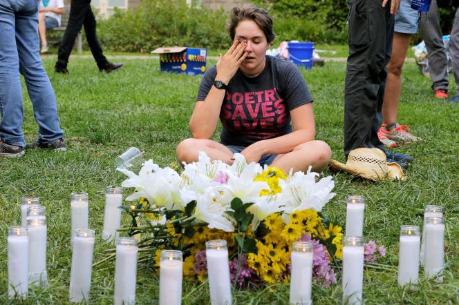 Lors du rassemblement en hommage aux vingt victimes, morts et blessés, de Charelottesville, le 12 août.