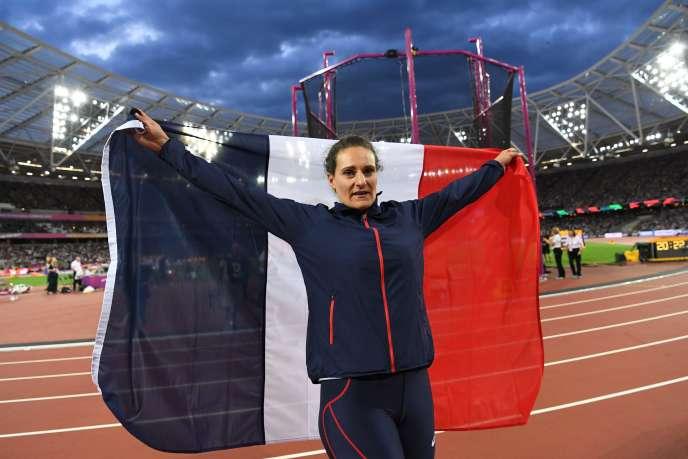 Mélina Robert-Michon est médaillée de bronze du lancer du disque.