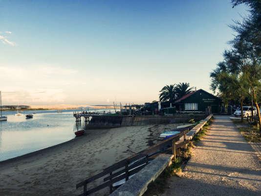Chez Boulan au Cap-Ferret, une cabane à huîtres au bout du village ostréicole.