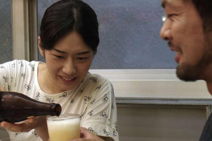 Akane Tatsukawa et Hiroto Ogi dans « Lumières d'été », de Jean-Gabriel Périot.