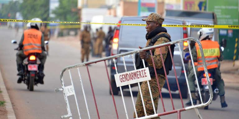 A Ouagadougou (Burkina Faso), le 14 août 2017,au lendemain de l'attentat meurtrier contre le café-restaurant Aziz Istanbul.