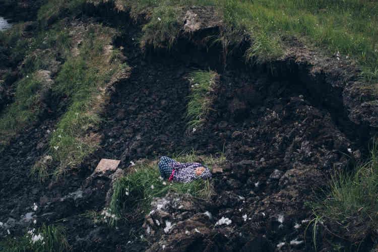 L'érosion de la côte est l'une des plus importantes menaces pour le village. Newtok en perd environ trente mètres par an.