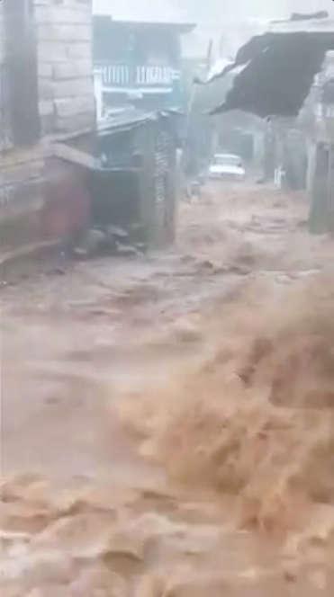 Capture d'image d'une vidéo tournée le 14aout à Freetown, en Sierra Leone.