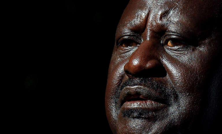 Le chef de l'opposition kényane, Raila Odinga, lors de sa conférence de presse du 16août à Nairobi. Il annonce qu'il va contester les résultats de l'élection présidentielle devant la Cour suprême.