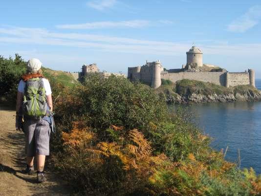 Le château de Fort la Latte, étape reine du GR34.