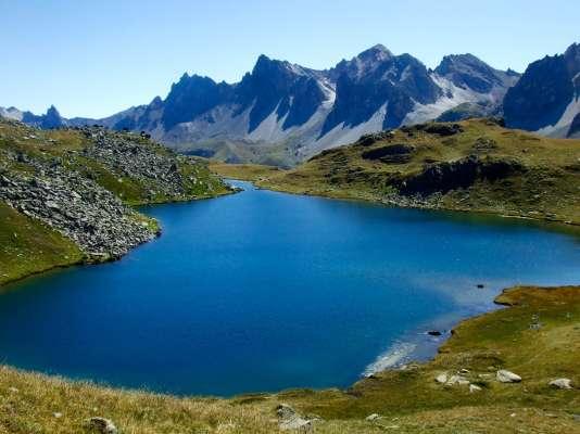 Le lac Long des Muandes, dans les Hautes-Alpes.