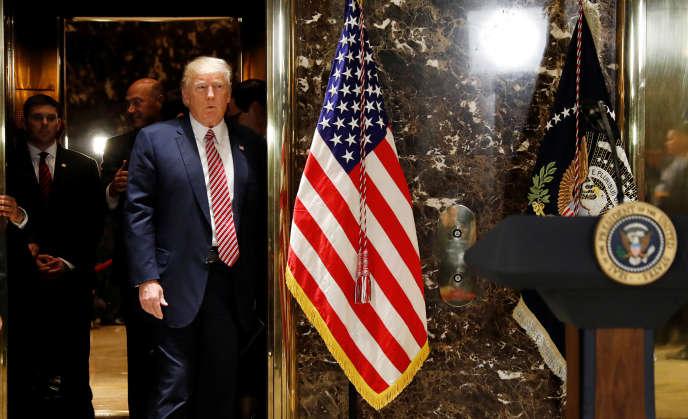 Le président américain Donald Trump avant sa conférence de presse à la Trump Tower de Manhattan (New York), le 15 août.
