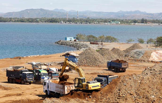 Minerai de nickel, dans le port de Santa Cruz, province de Zambales (Philippines), le 8 février.