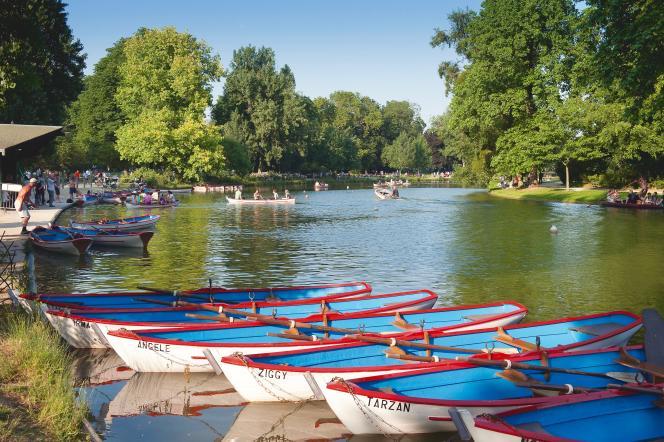 Le GR 2024 contourne le lac Daumesnil, dans le bois de Vincennes.