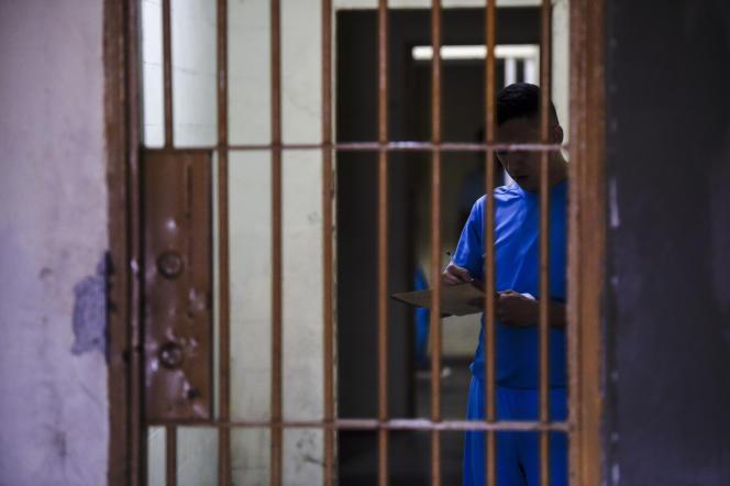 Un détenu dans la prison El Rodeo près de Caracas, au Venezuela, en juillet 2016.