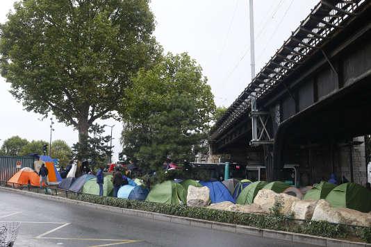 Campement de La Chapelle, le 17 août 2017 à Paris.