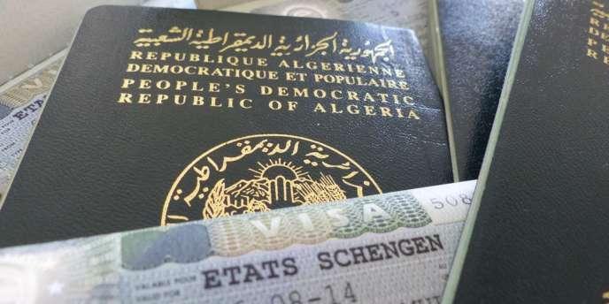 En Algerie La Colere Des Demandeurs De Visa Pour La France
