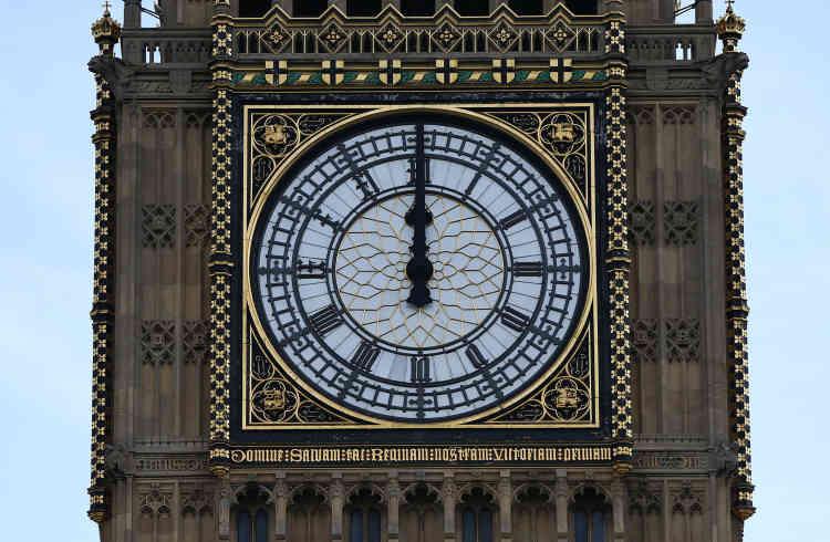 La cloche avait auparavant été arrêtée entre 1983 et 1985 pour des travaux de rénovation, puis en 2007 pour maintenance.