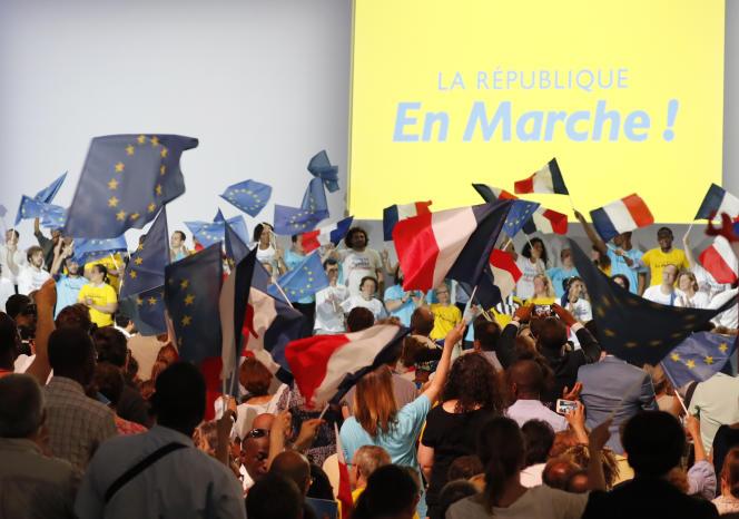 Les nouveaux statuts de La République en marche ont été adoptés par 90,6% des votants, a annoncé le parti d'Emmanuel Macron le 17 août.