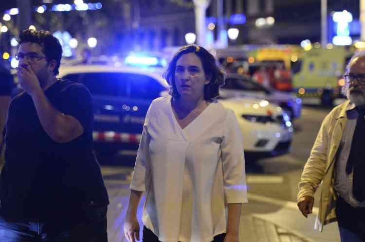 La maire de Barcelone, Ada Colau, s'est rendue sur les lieux de l'attentat, le 17 août.