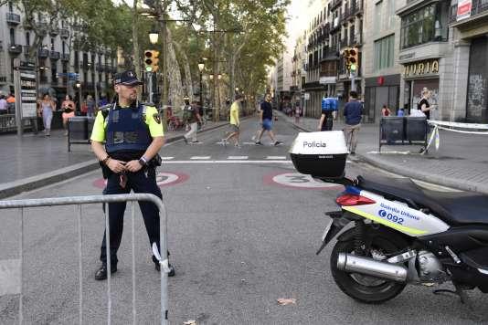 Les Ramblas, le 18 août, au lendemain de l'attaque sur l'artère très touristique de Barcelone.