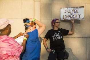 Manifestation en réponse au rassemblement d'extrême-droite de Charlottesville, à Philadelphie (Pennsylvanie), le 16 août.