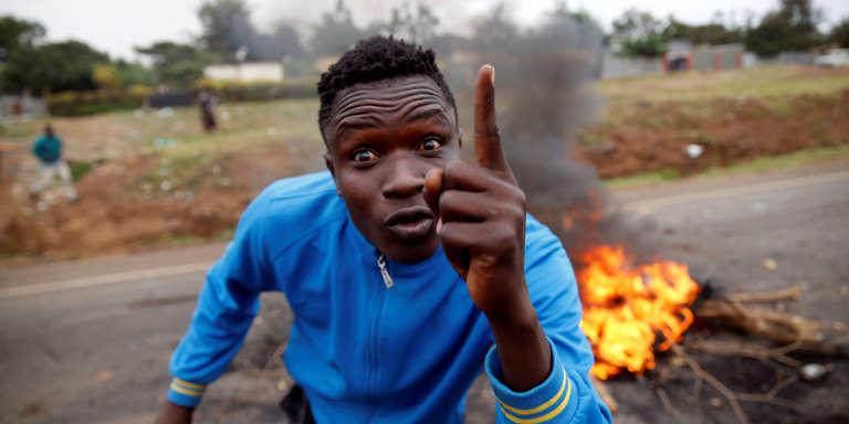 Un partisan de Raila Odinga à Kisumu, capitale mythique des Luo, au Kenya, le 12août 2017.