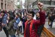 Des partisans de la légalisation de l'avortement devant le Tribunal constitutionnel chilien, à Santiago, le 18 août.