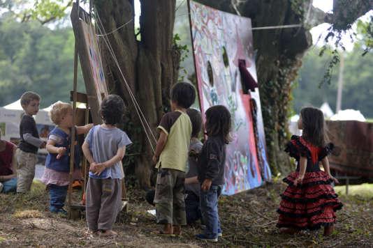 Beaucoup d'enfants sont présents sur le festival.