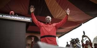 Le président angolais José Eduardo dos Santos lors d'un meeting de campagne de son parti, le Mouvement populaire de libération de l'Angola àLuanda, le 19 août.