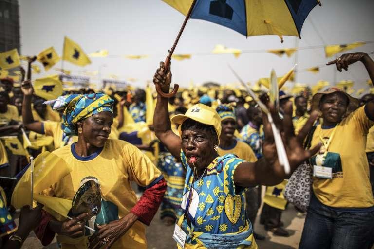 Des militants de la coalition Casa-CE, à Luanda, le 20aôut.