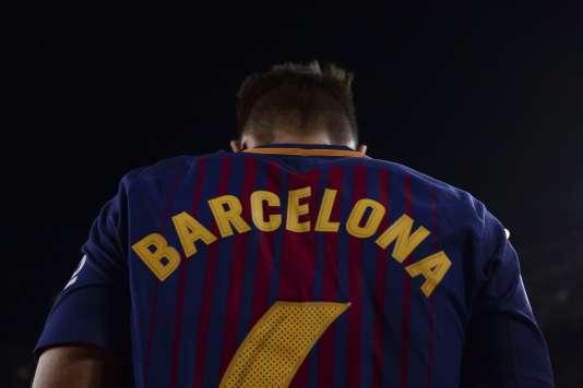 Les joueurs ont vu leurs noms disparaître des leur maillot en faveur d'un sombre «Barcelone », dimanche 20 août.